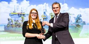 At the 2019 CEDA Dredging Days, IADC's Secretary General René Kolman (right) bestows the 2nd Young